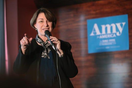 Senadora demócrata Amy Klobuchar.