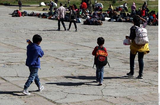 Belqui y sus dos hijos decidieron seguir adelante con la caravana; no planean regresar a Honduras, por las agresiones sufridas.