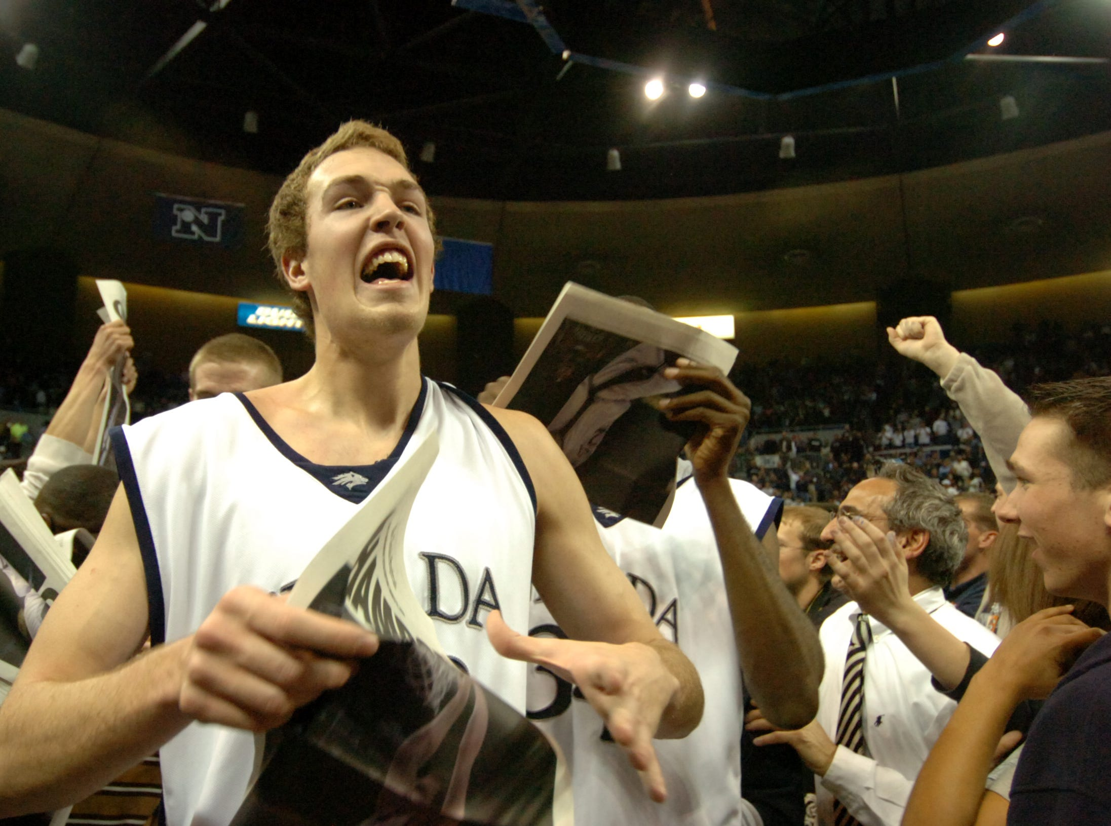 2006: Celebrating the WAC tournament title.