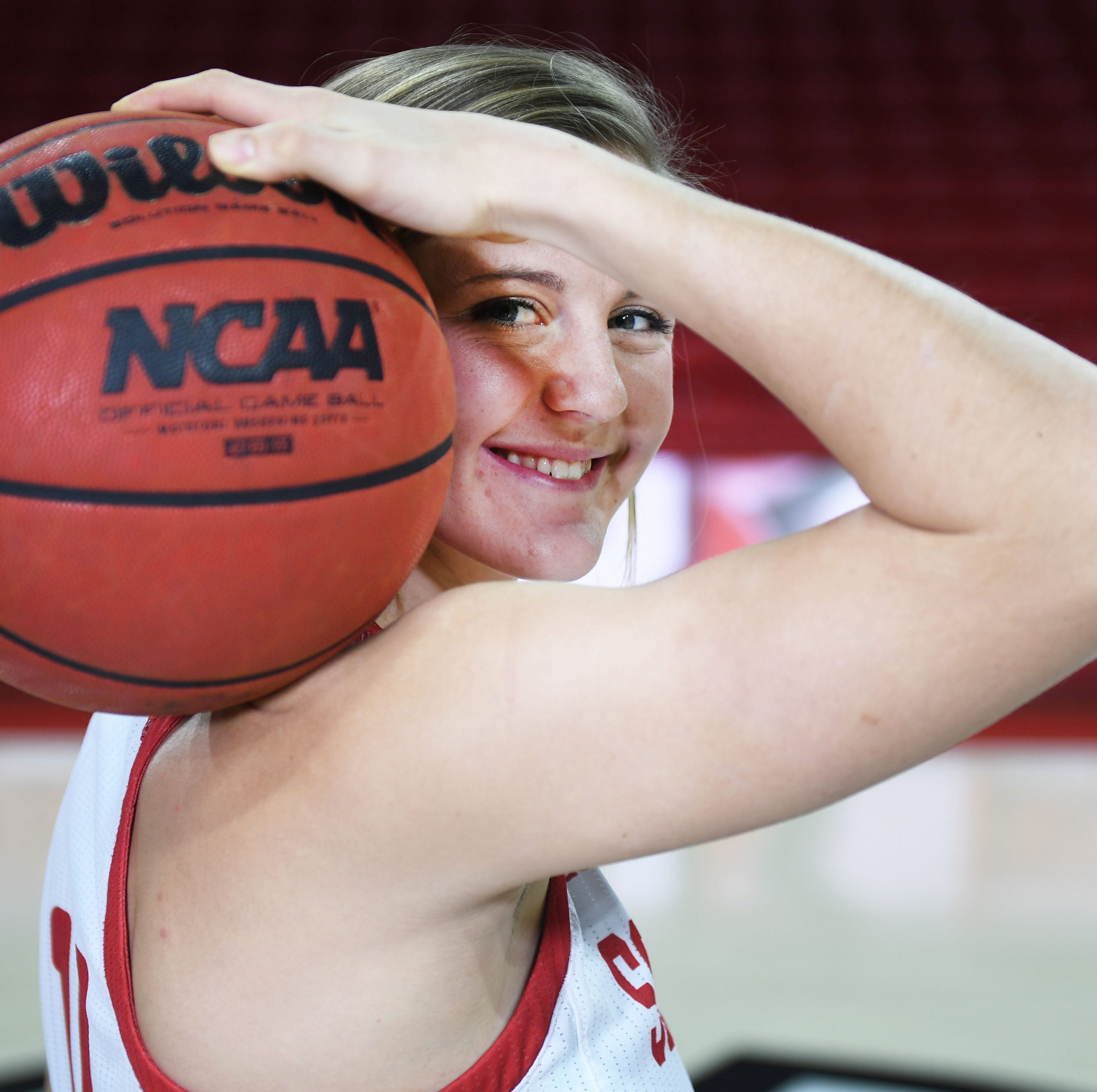 NCAA Tournament: Allison Arens, South Dakota's lone senior, ends career with 'heck of a year'