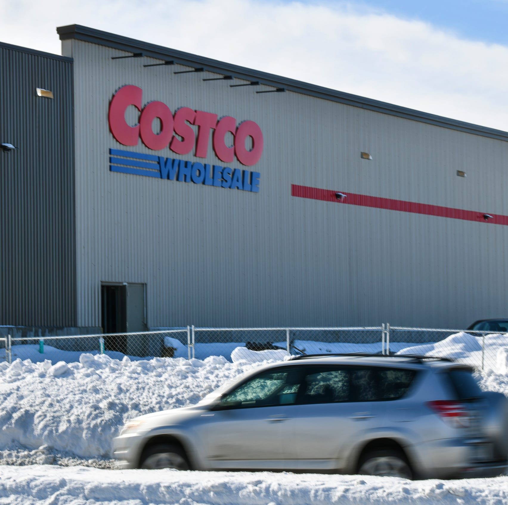 Costco targets late June opening date in St. Cloud