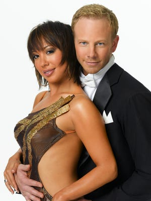 """Cheryl Burke and her Season 4 partner Ian Ziering. Burke is apologizing for previous """"nasty"""" comments she made toward Ziering."""