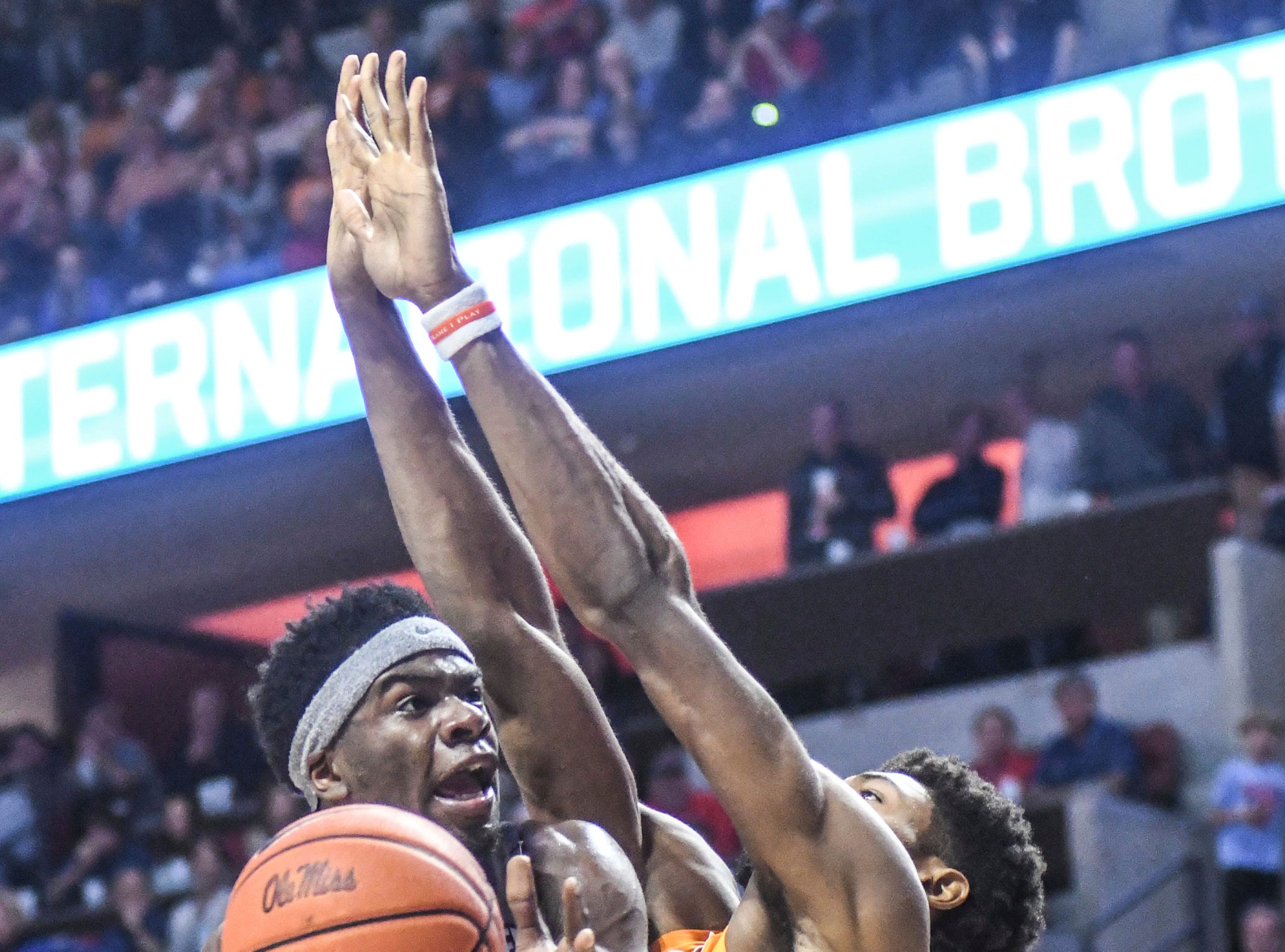Mississippi guard Terence Davis (3) shoots against Tennessee's Kyle Alexander (11) during the first half of an NCAA college basketball game, Wednesday, Feb. 27, 2019 in Oxford, Miss. (Bruce Newman/The Oxford Eagle via AP)