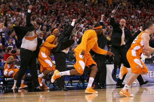Tennessee clears the bench after defeating Ohio State 76-73 to advance to the Elite Eight for the first time during the NCAA tournament Sweet Sixteen at the Edward Jones Dome in St. Louis, Mo., Friday, Mar. 26, 2010.
