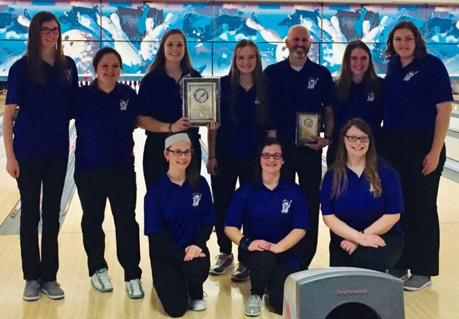 The Lexington girls team, led by four seniors, has qualified for Saturday's district tournament with a state tournament berth on the line.