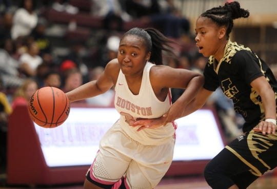 Houston's Destinee Wells is one of the top players in the nation, according to ESPN.
