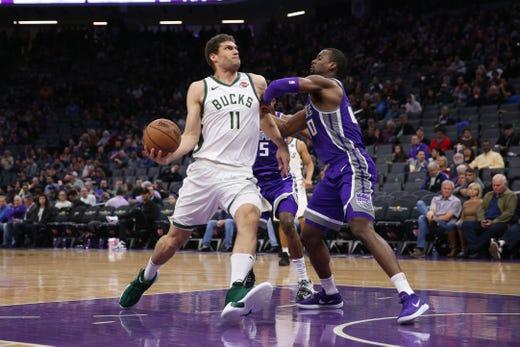 Bucks 141, Kings 140 (OT): Missing its star power, Milwaukee