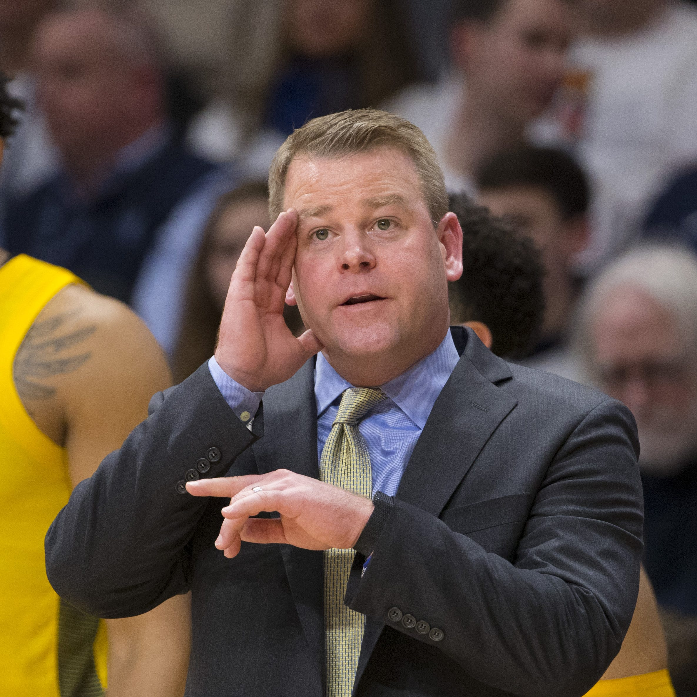 Marquette's Steve Wojciechowski has new contract through 2023-'24