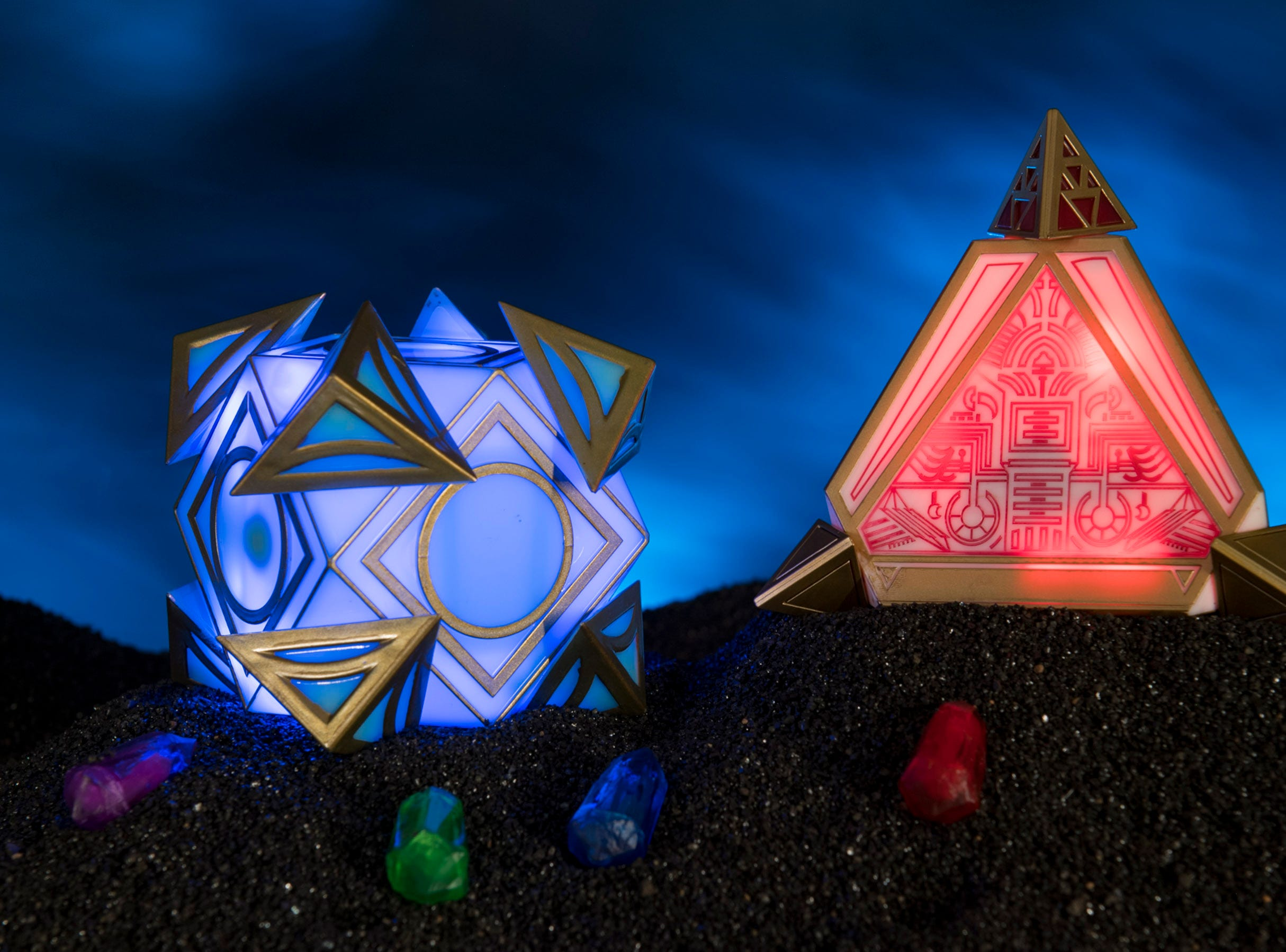 There are many rare and unique items to be discovered at Dok-Ondar's Den of Antiquities inside Star Wars: Galaxy's Edge.  Holocrons, pictured here, are ancient repositories of wisdom. Jedi and Sith used them to record their teachings for future generations seeking to understand the mysteries of the Force. Kyber crystals can unlock additional content in both the Jedi and Sith Holocrons.