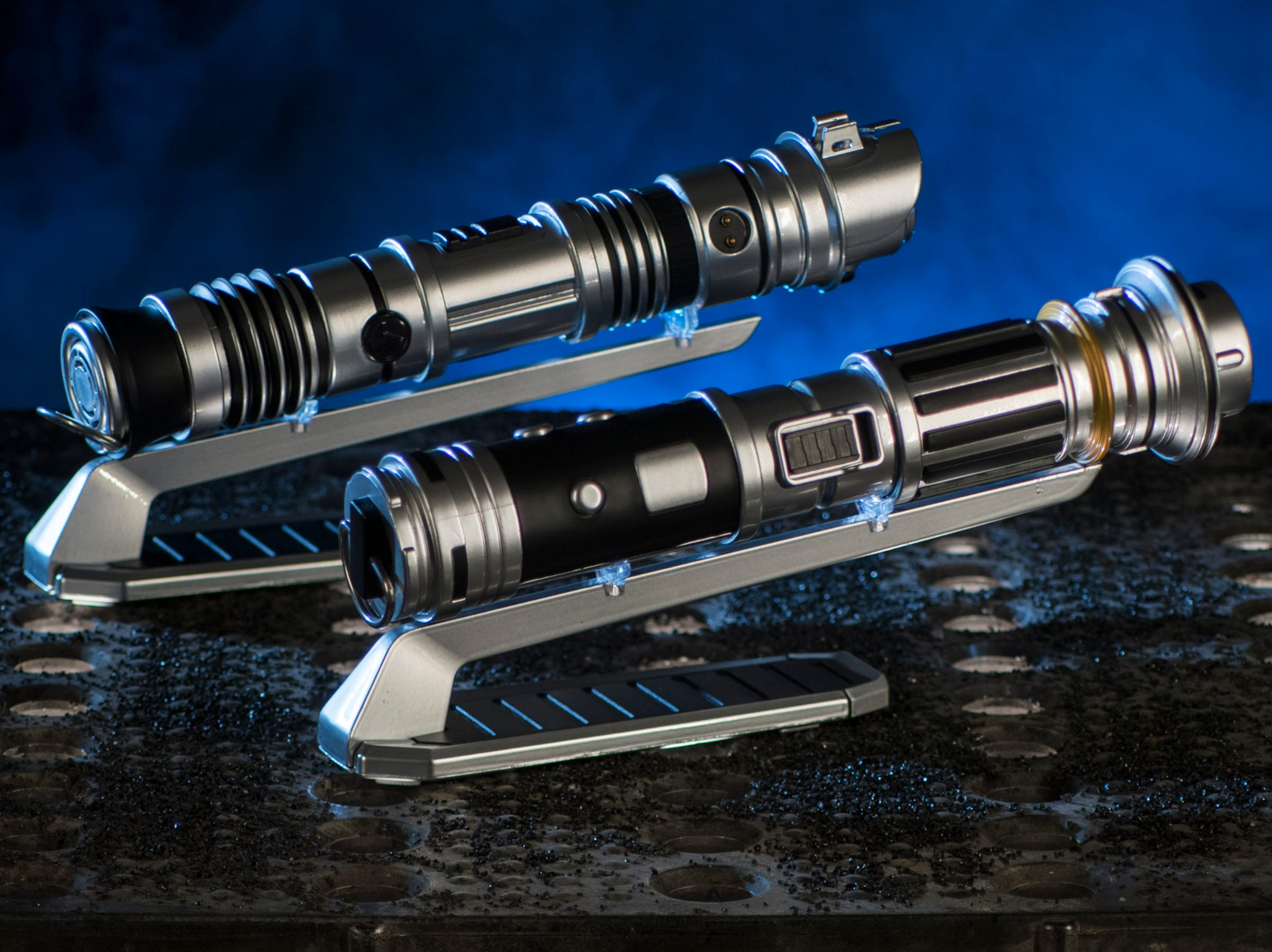 At Savi's Workshop - Handbuilt Lightsabers in Star Wars: Galaxy's Edge, guests will be able to build their own lightsaber, guided by ancient wisdom but crafted by the choices they make on their own adventure. Each build will begin with a personal connection to a kyber crystal used to ignite the custom lightsaber.