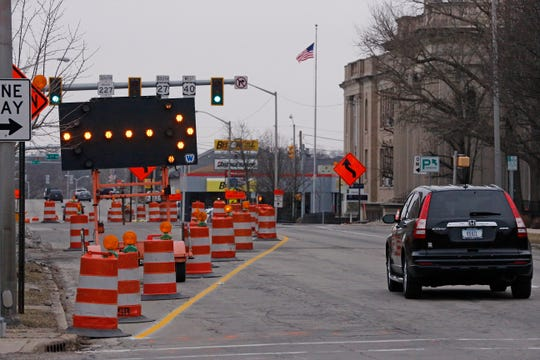 The orange barrels, flashing arrows and lane restrictions have returned to North A Street in advance of construction beginning again on the U.S. 27/U.S. 40 project.