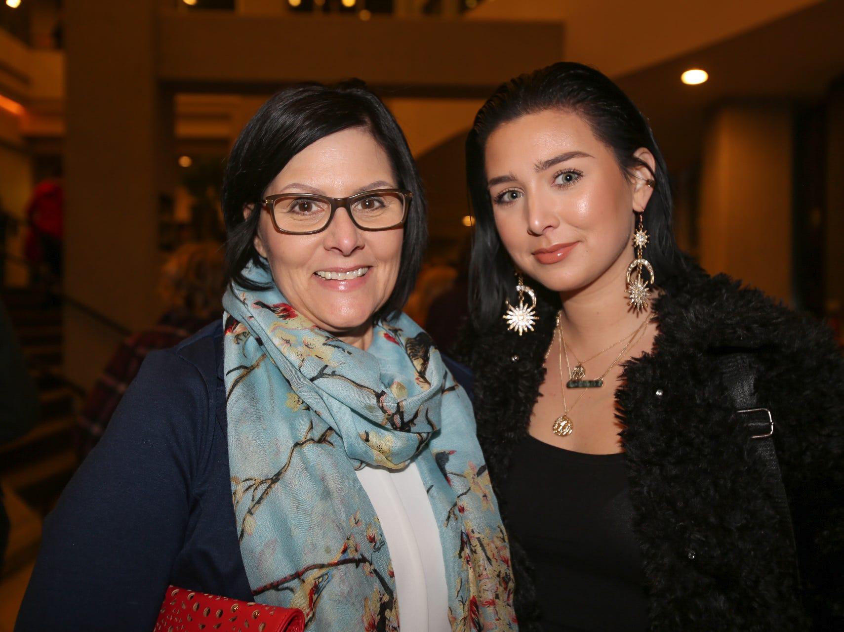 Janna and McKenna Elfrink