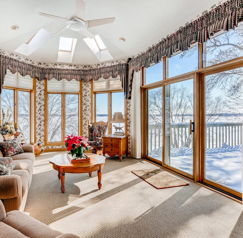 Mansion on the market: Elegant interior with views of Lake Pulaski