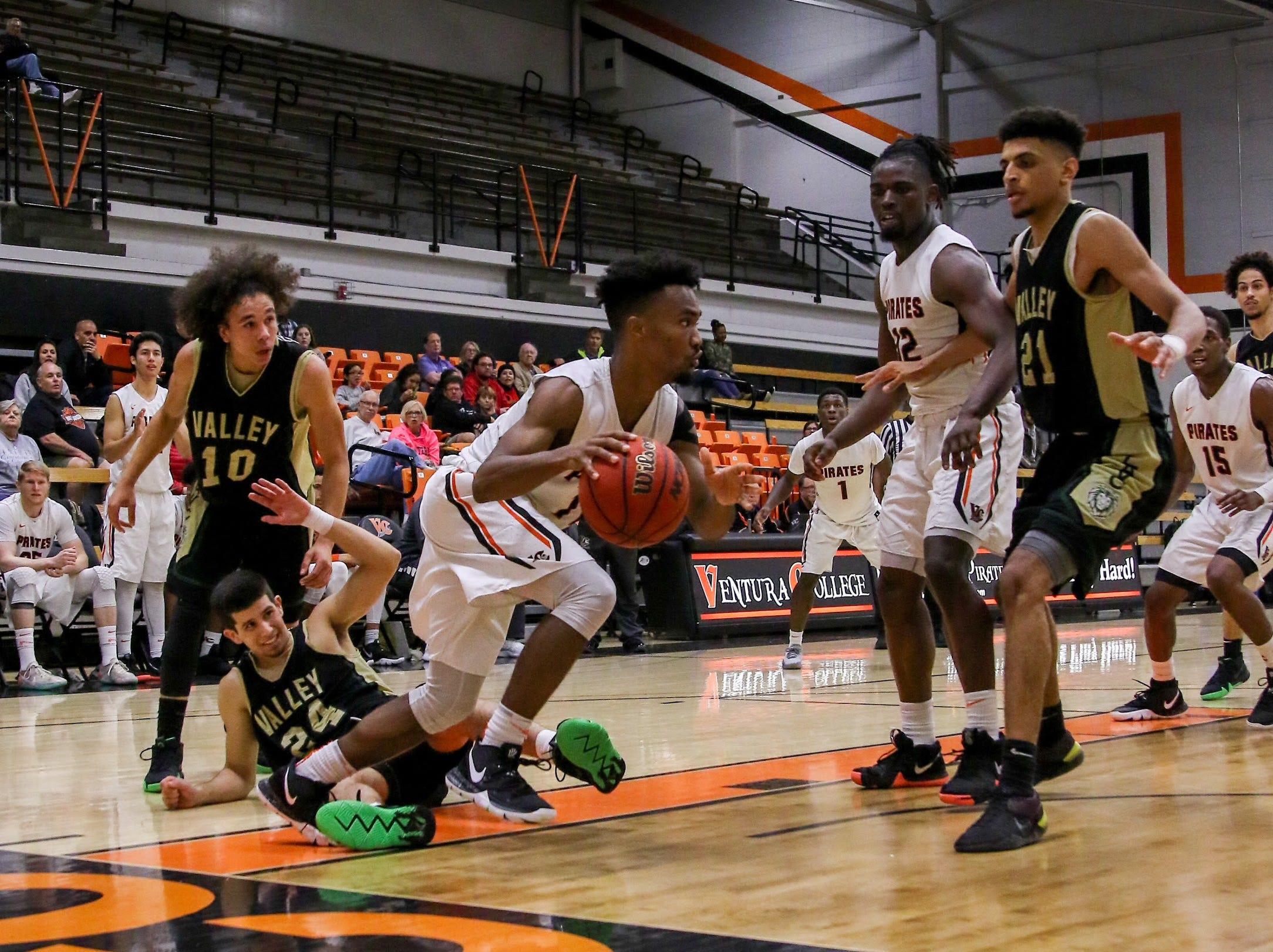 Ventura College freshman Tim Turner penetrates against Los Angeles Valley on Wednesday night in the CCCAA Southern California regional quarterfinals at the VC Athletic Event Center. L.A. Valley won, 78-74.