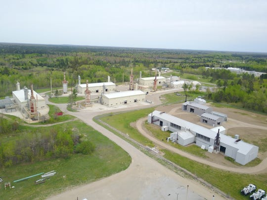 A Core Energy CO2 capture plant in northern Michigan. At this plant, carbon dioxide is captured from an adjacent natural gas processing plant and then transported via pipeline to Core Energy oilfields where it is used for enhanced oil recovery after it is dried and compressed after capture.
