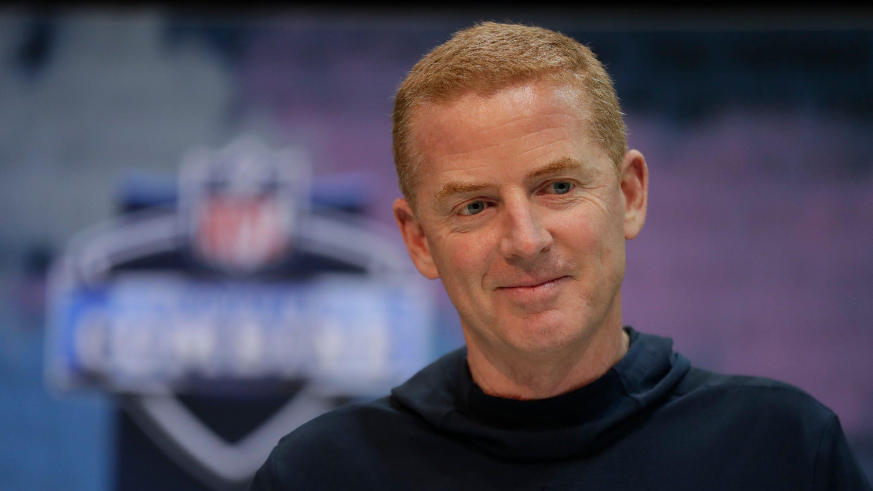 77adbf94 Dallas Cowboys' Jason Garrett mum on entering final year of contract