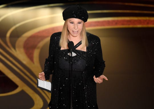Barbra Streisand introduce