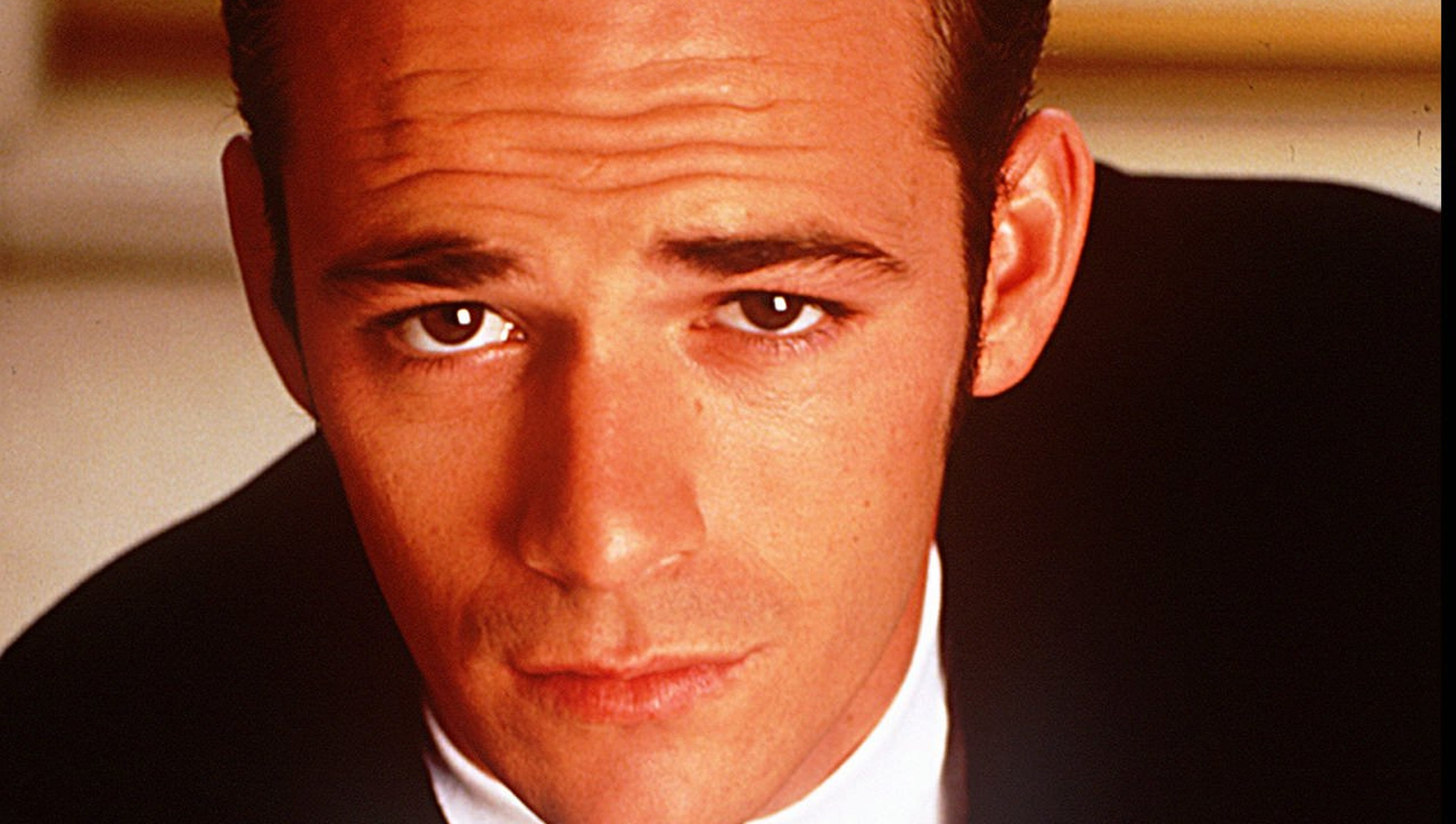 a0769424 Luke Perry: Why you're taking the '90210' star's death so hard