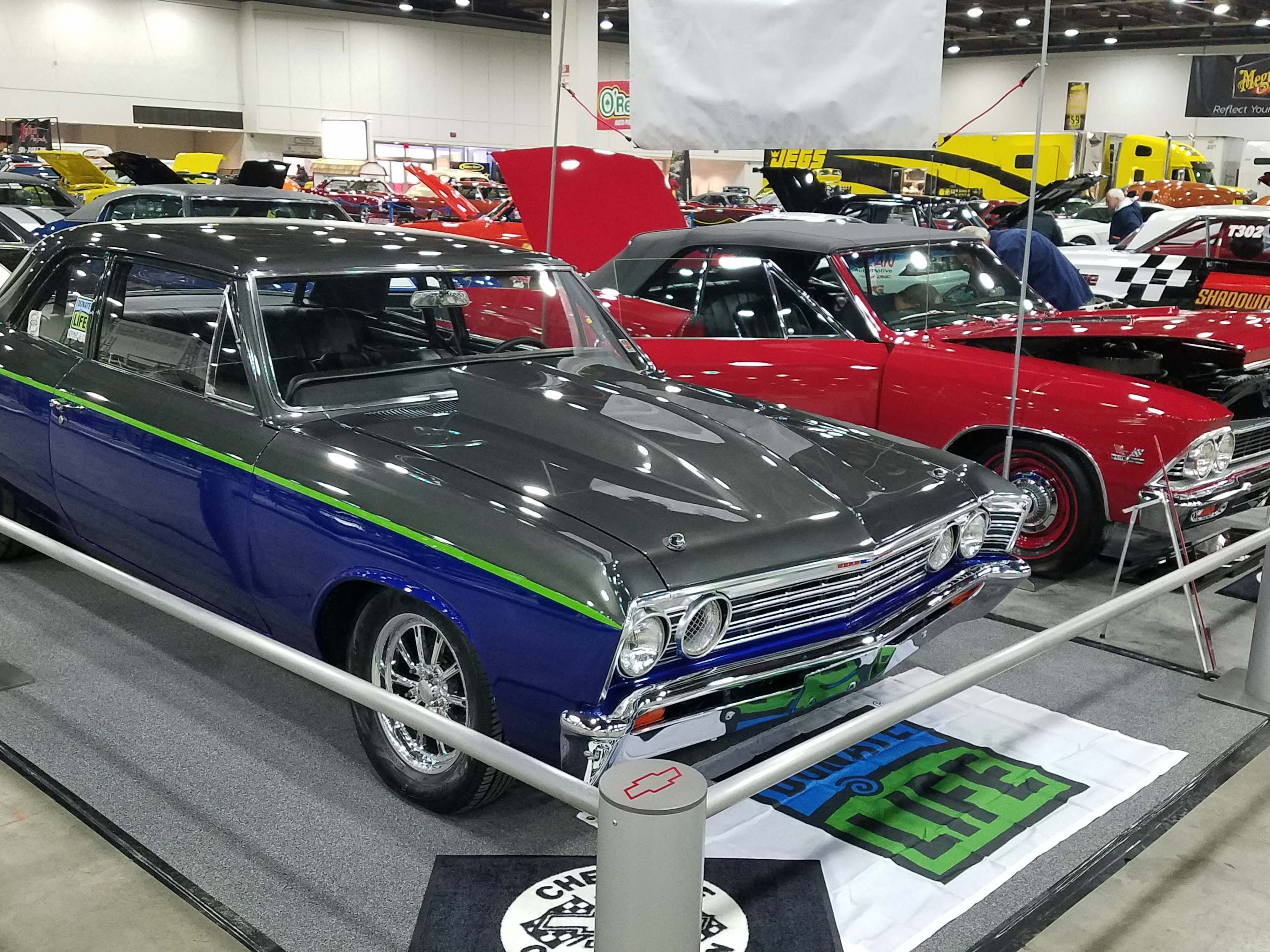 The Autorama show floor is stuffed with chopped, dumped, and decked rods of every type in 5 different custom mod classes.