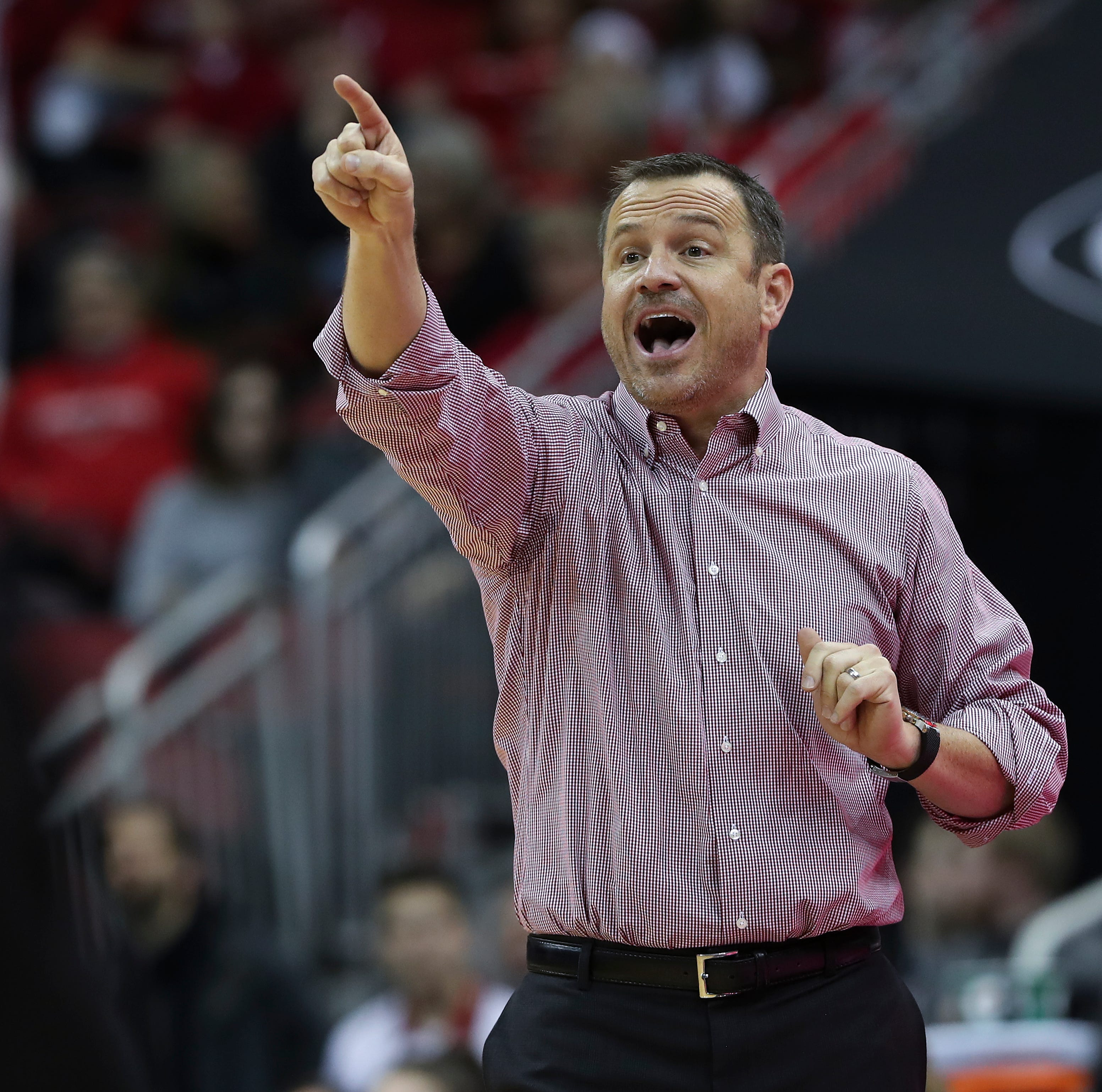 Jeff Walz: Tennessee rumors are a 'slap' in the face to current coach