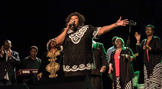 Julia Prescott leads the finale at the Milwaukee Gospel Jubilee in 2018. The 2919 concert is Friday.