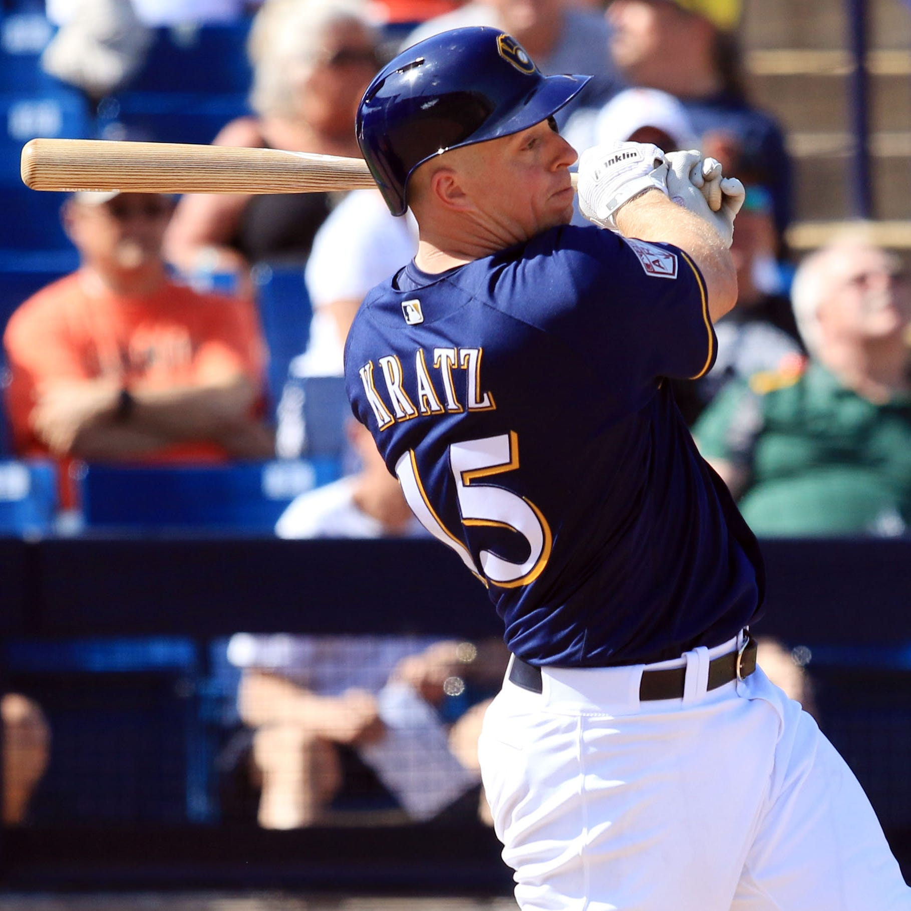 Brewers trade catcher Erik Kratz to San Francisco for minor-league infielder C.J. Hinojosa