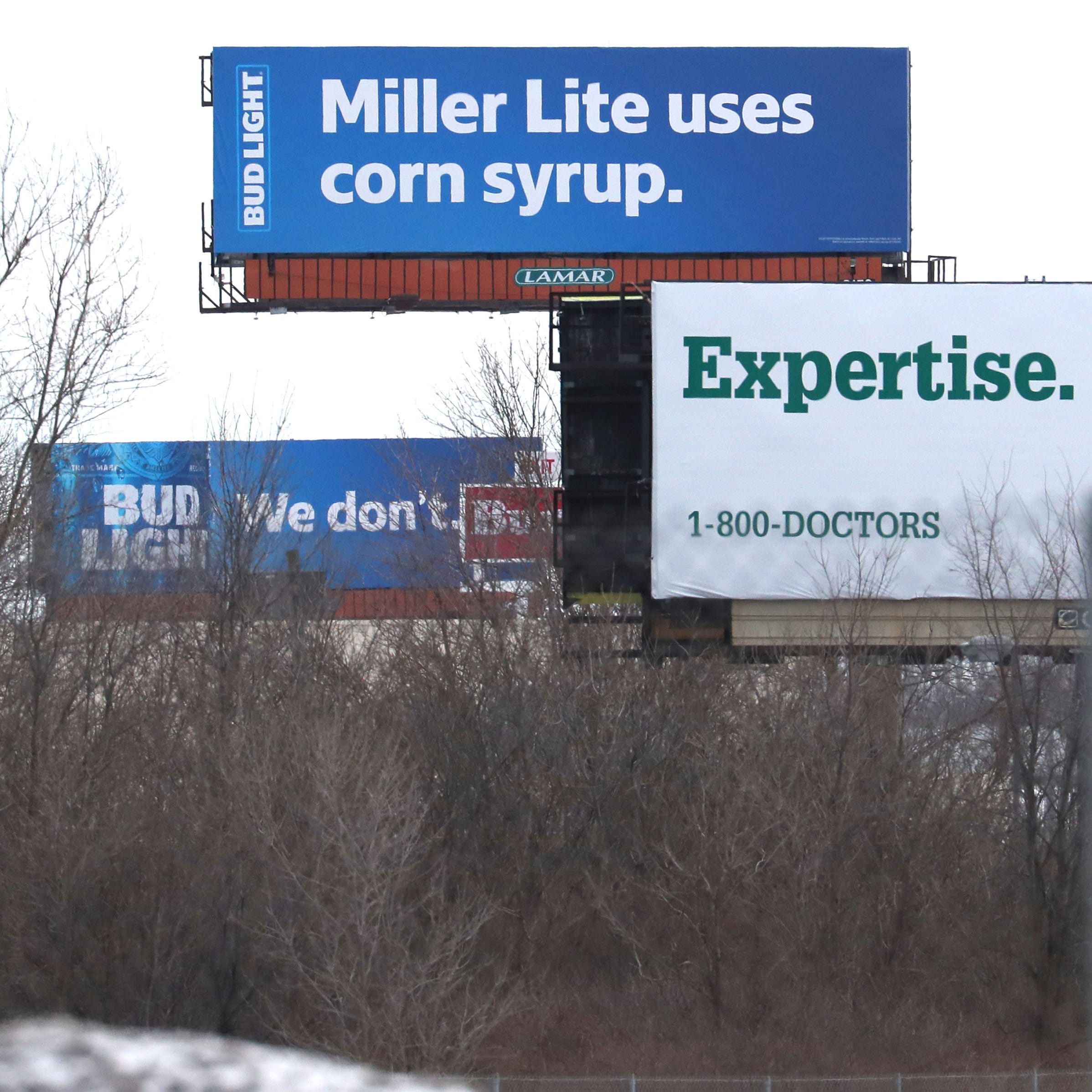 Bay View tavern dumps Bud Light beer in support of Miller Lite to protest Bud's billboards
