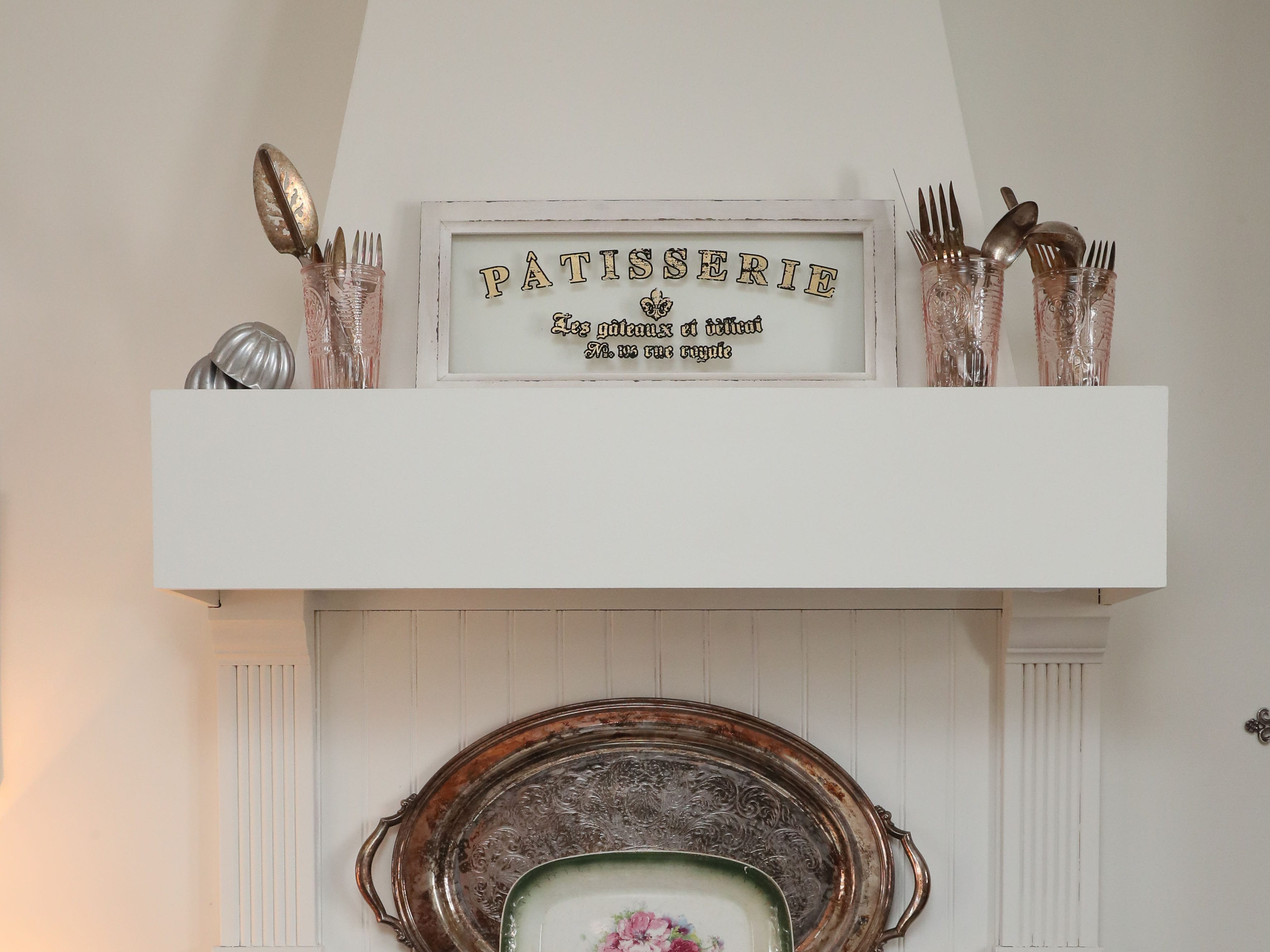 Zoe Krause's father built this faux  range hood above her stove.