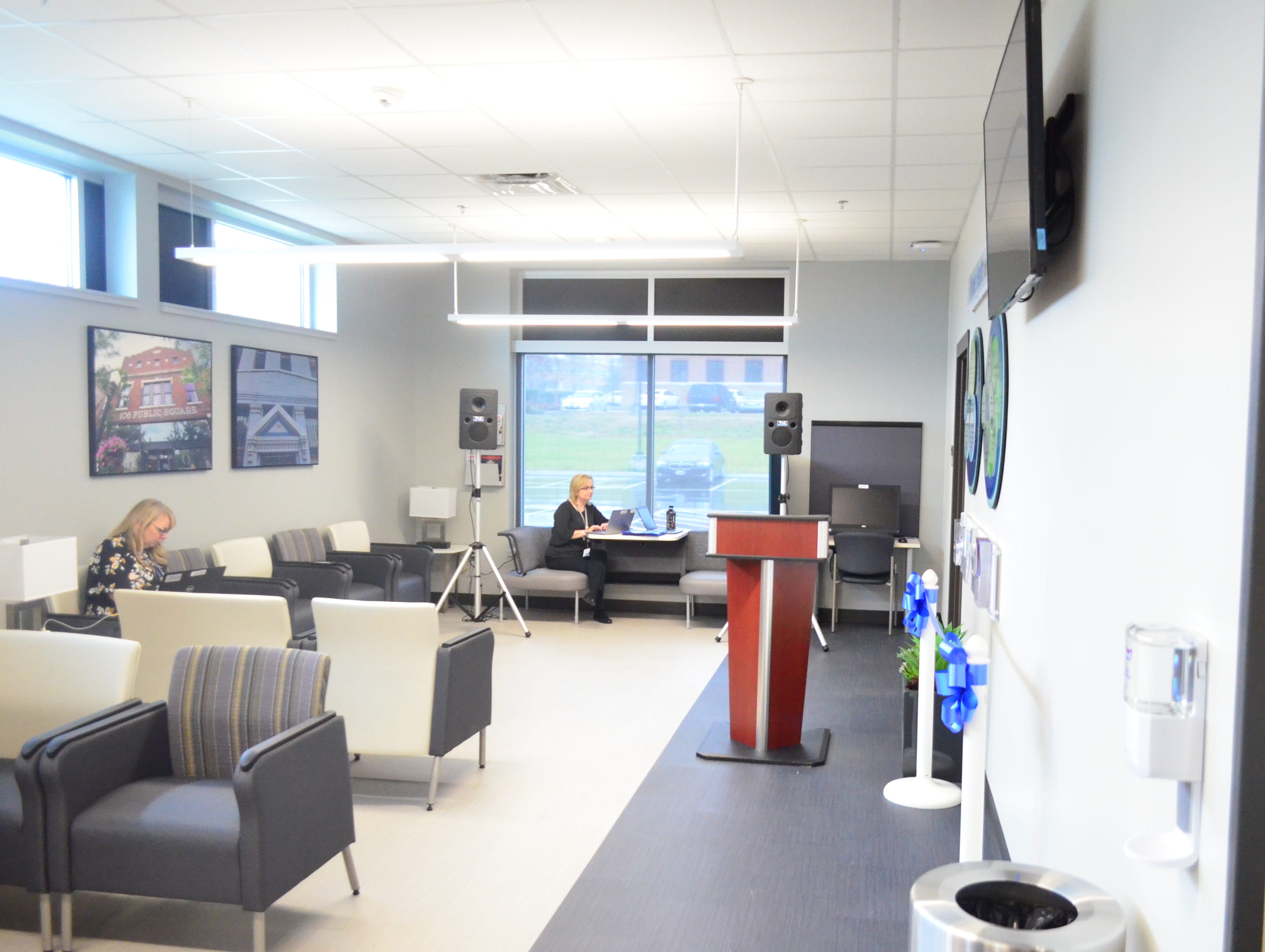 A picture of the lobby of the new VA clinic in Gallatin.
