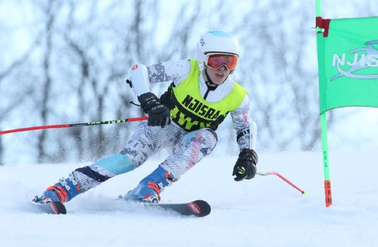 Allison McDonnell helped Wayne Valley finish third in the New Jersey Giant Slalom State Championship.