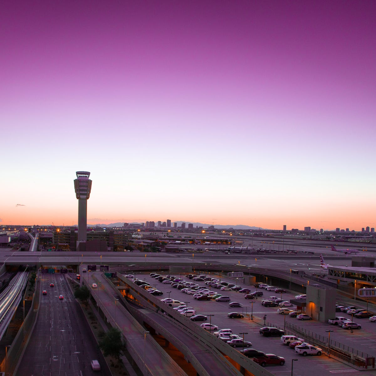New survey reveals the typical Sky Harbor Airport passenger. Is it you?