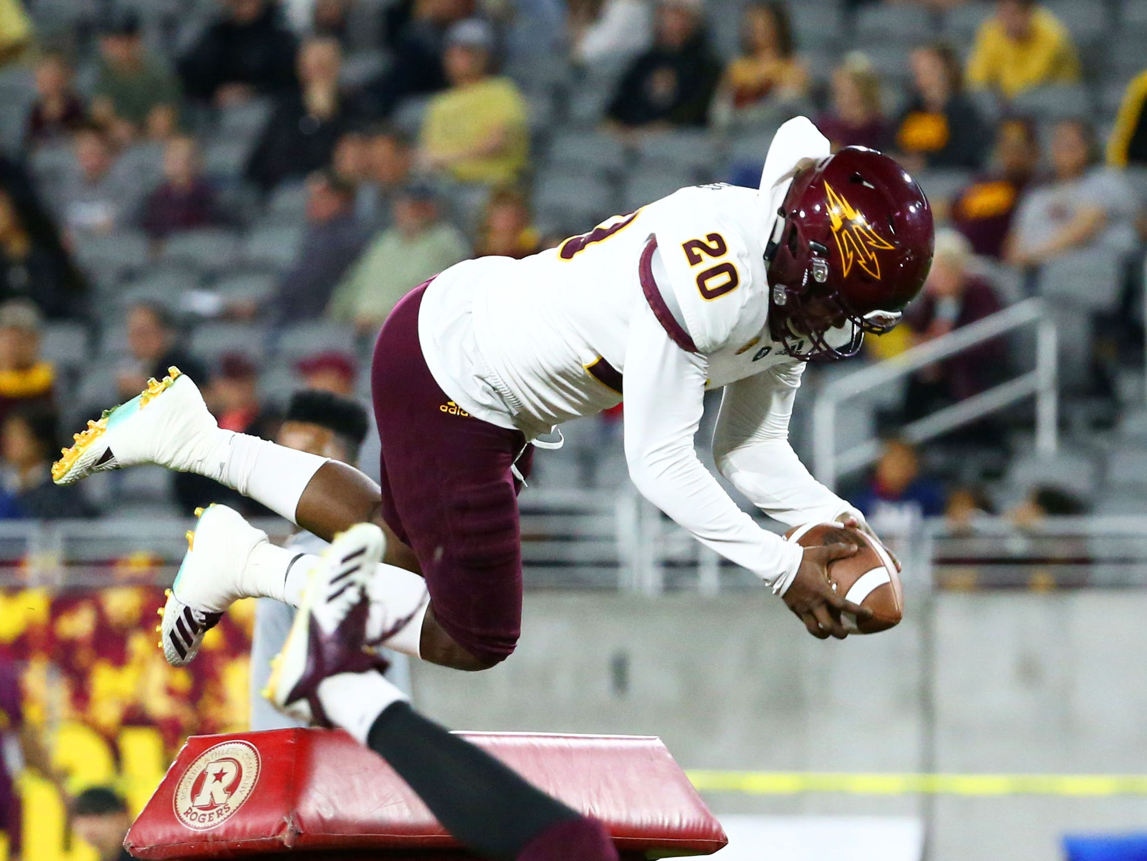 Arizona State linebacker Khaylan Thomas (20) during jumping drills at the spring practice game on Feb. 28, 2019 at Sun Devil Stadium in Tempe, Ariz.