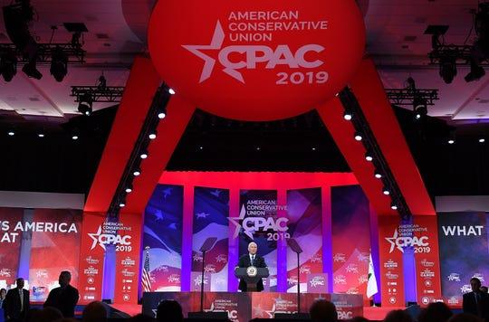 Mike pence habla frente a la base conservadora en el CPAC 2019.