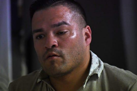 El ojo izquierdo de Celaya está parcialmente cerrado debido a un golpe sufrido en el cuadrilátero contra Julio César Chávez, Jr. en 2008.