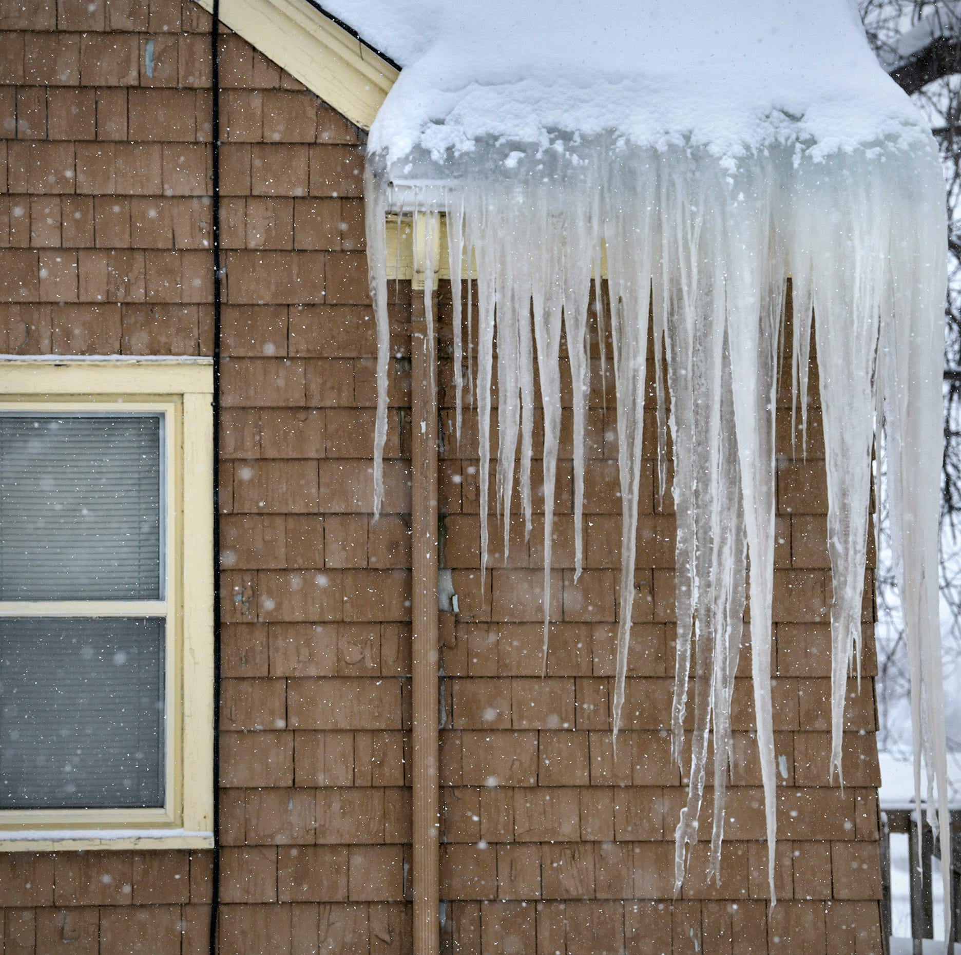 Ice dams: What they are, how to prevent them, and what it costs to remove them