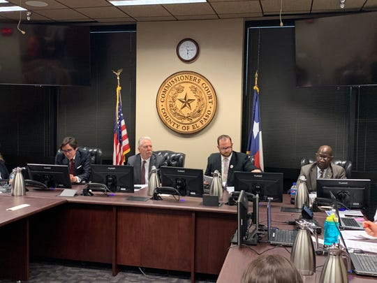 County Commissioners Court votes on immigration services
