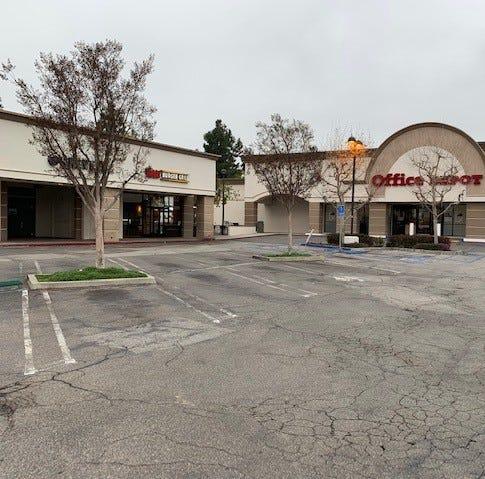 Thousand Oaks shopping center bought for $14.4 million