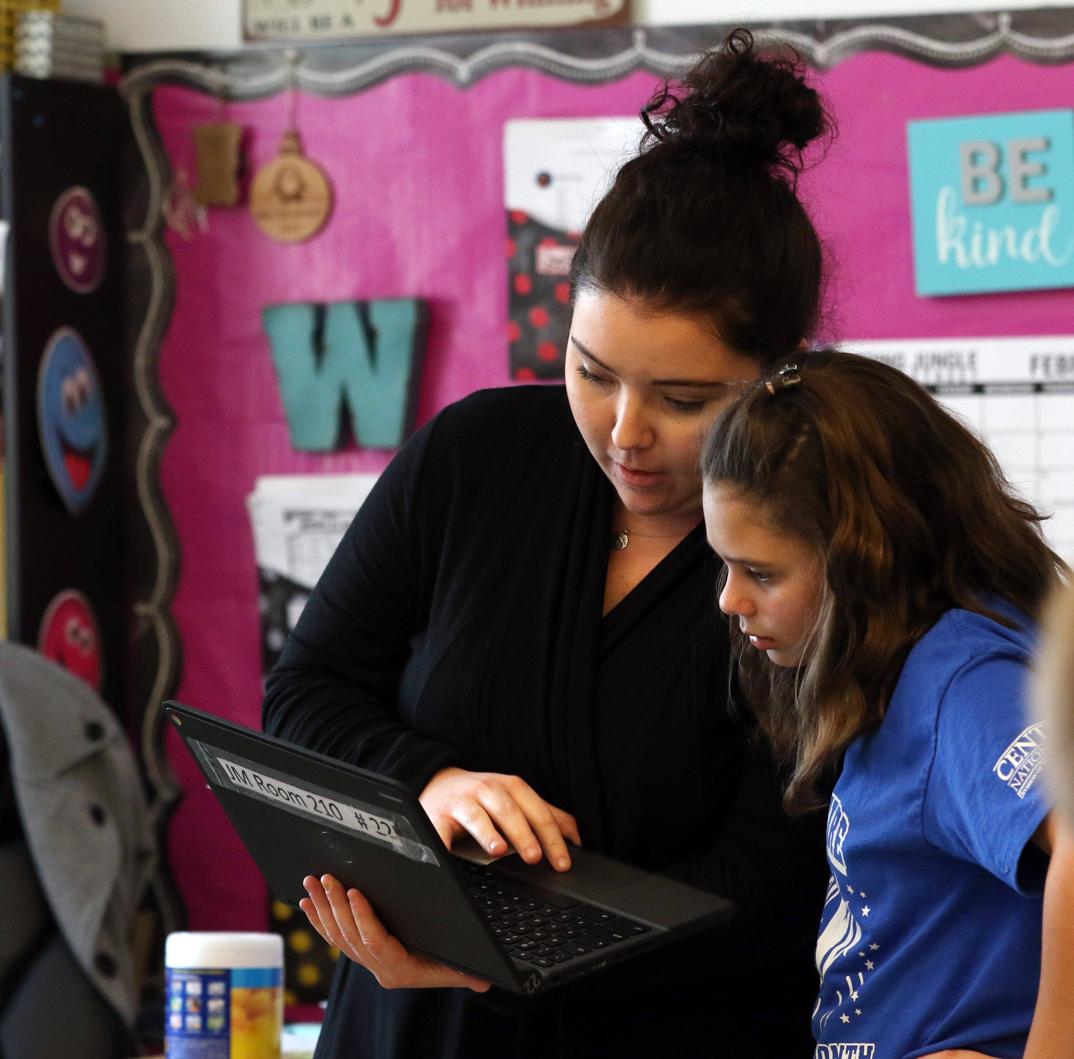 Want to be a substitute teacher? Local jobs are plentiful
