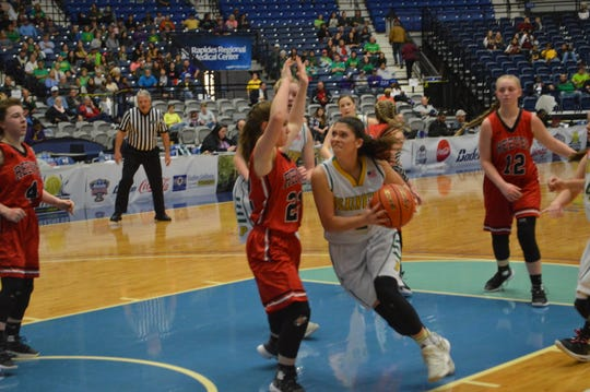 Plainview's Allie Willis (2) goes for a layup in Friday's Class C championship game against Reeves.