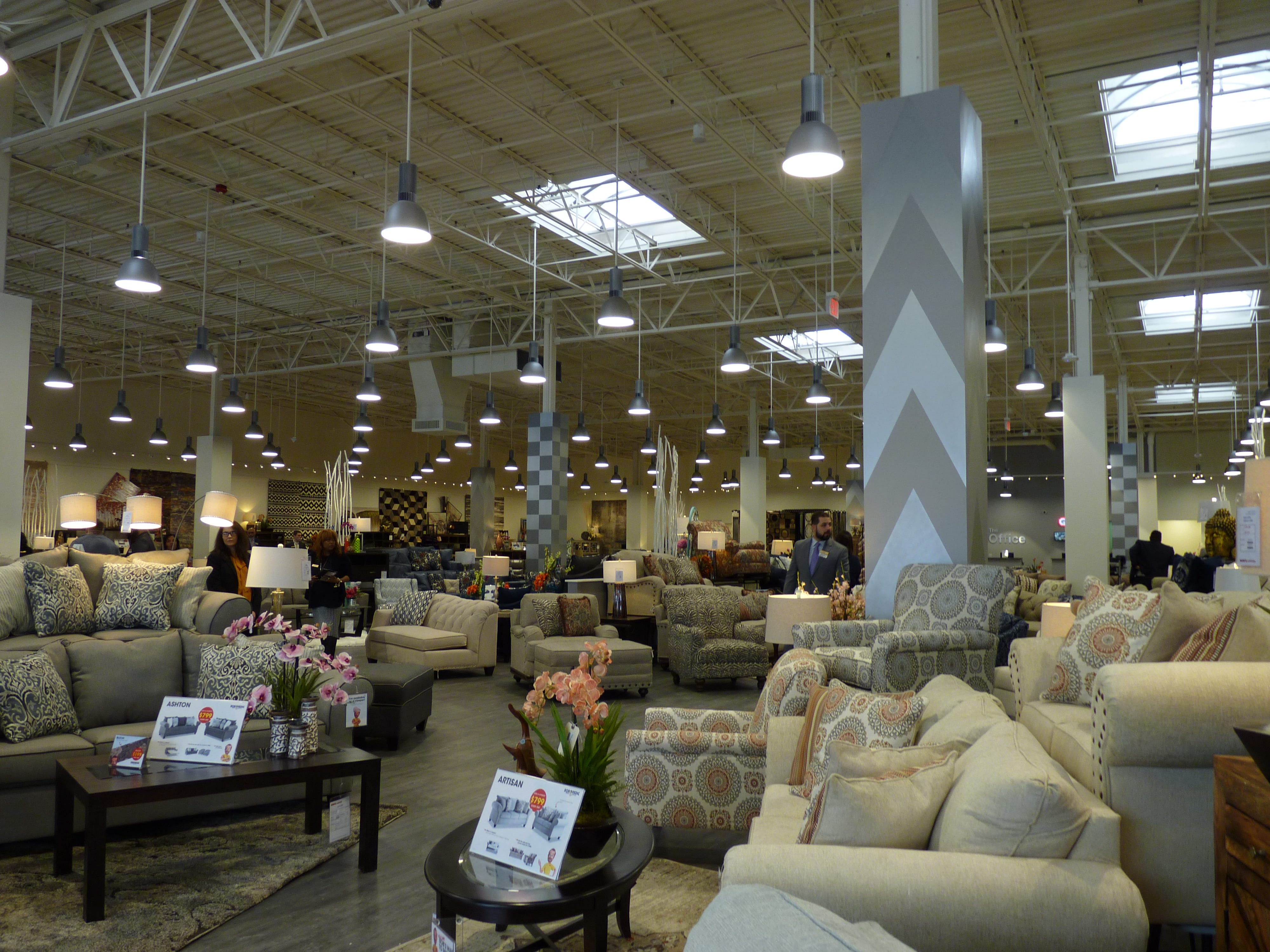Bob's Discount Furniture held a grand opening ribbon-cutting ceremony for its new location at the Bridgewater Promenade on Saturday, March 2.