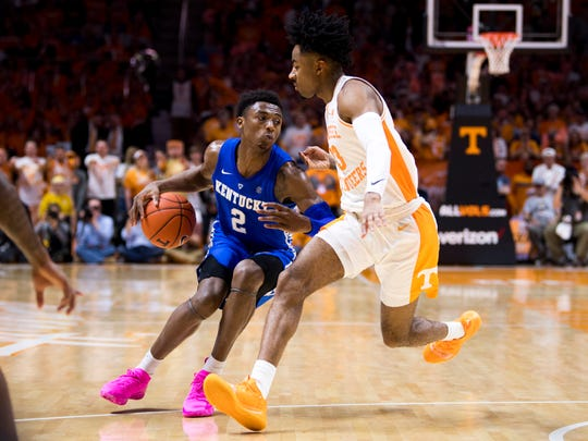 Ashton Hagans (2) and Kentucky's other guards had trouble over the weekend at Tennessee.