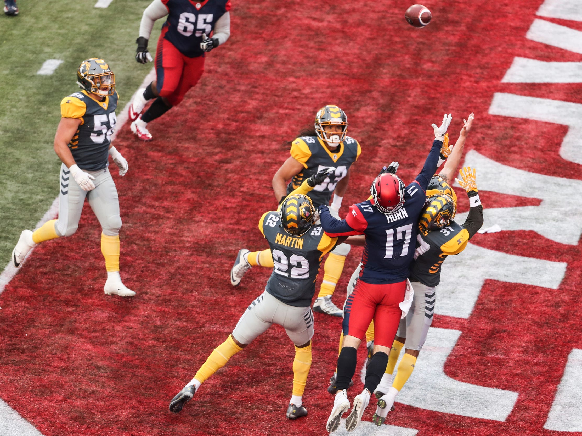 March 02, 2019 - The Memphis Express were unable to get the extra points after a touchdown during Saturday's game against the San Diego Fleet.