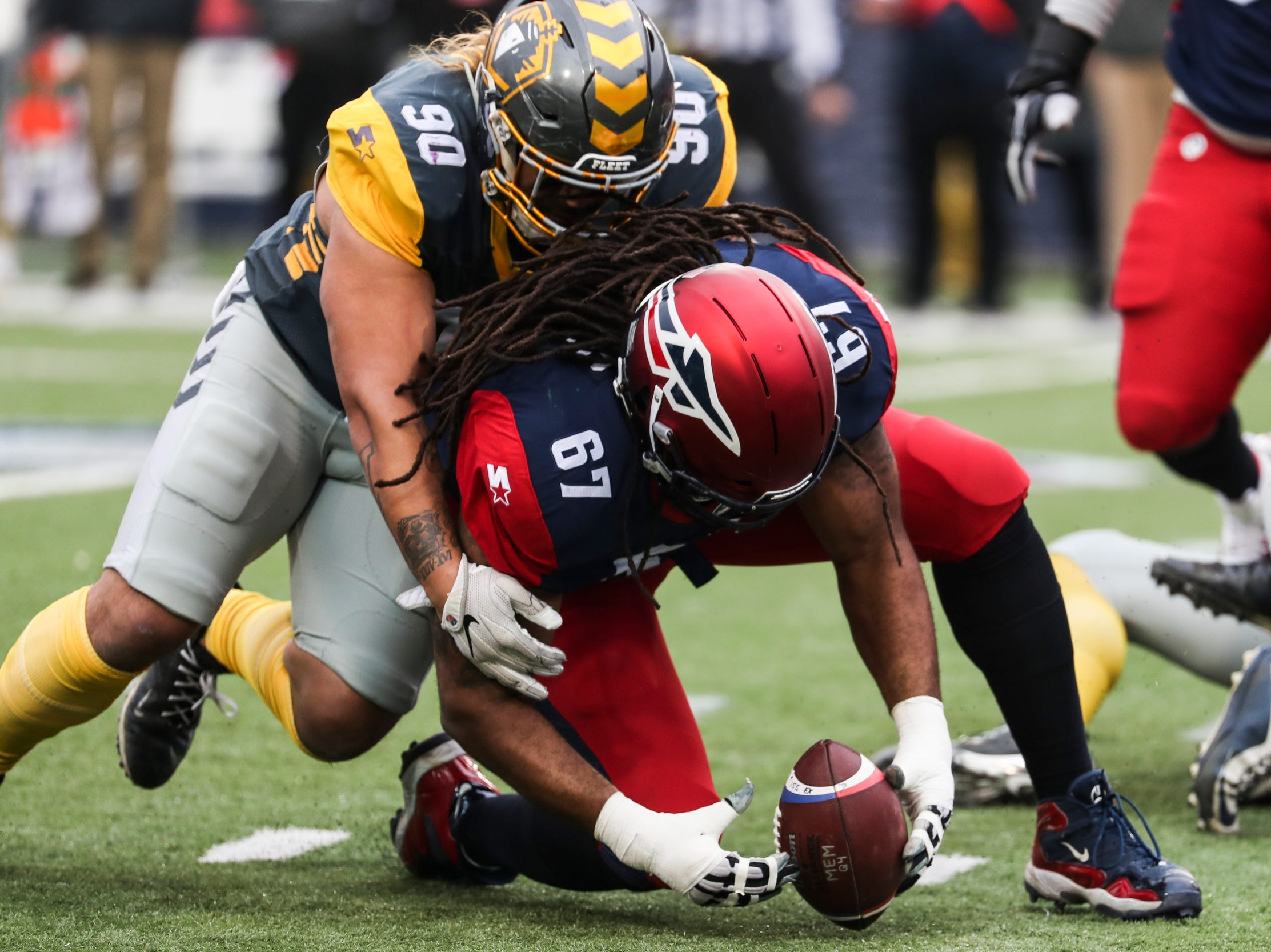 March 02, 2019 - Memphis Express' Dallas Thomas recovers a fumble during Saturday's game against the San Diego Fleet.
