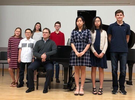 From left: Charlotte Bannerman, Wesley Hale, Grace Lui, Dr. Keniston, Garret Glover, Jane Kim, Alayna Kang, Nathan Miller.