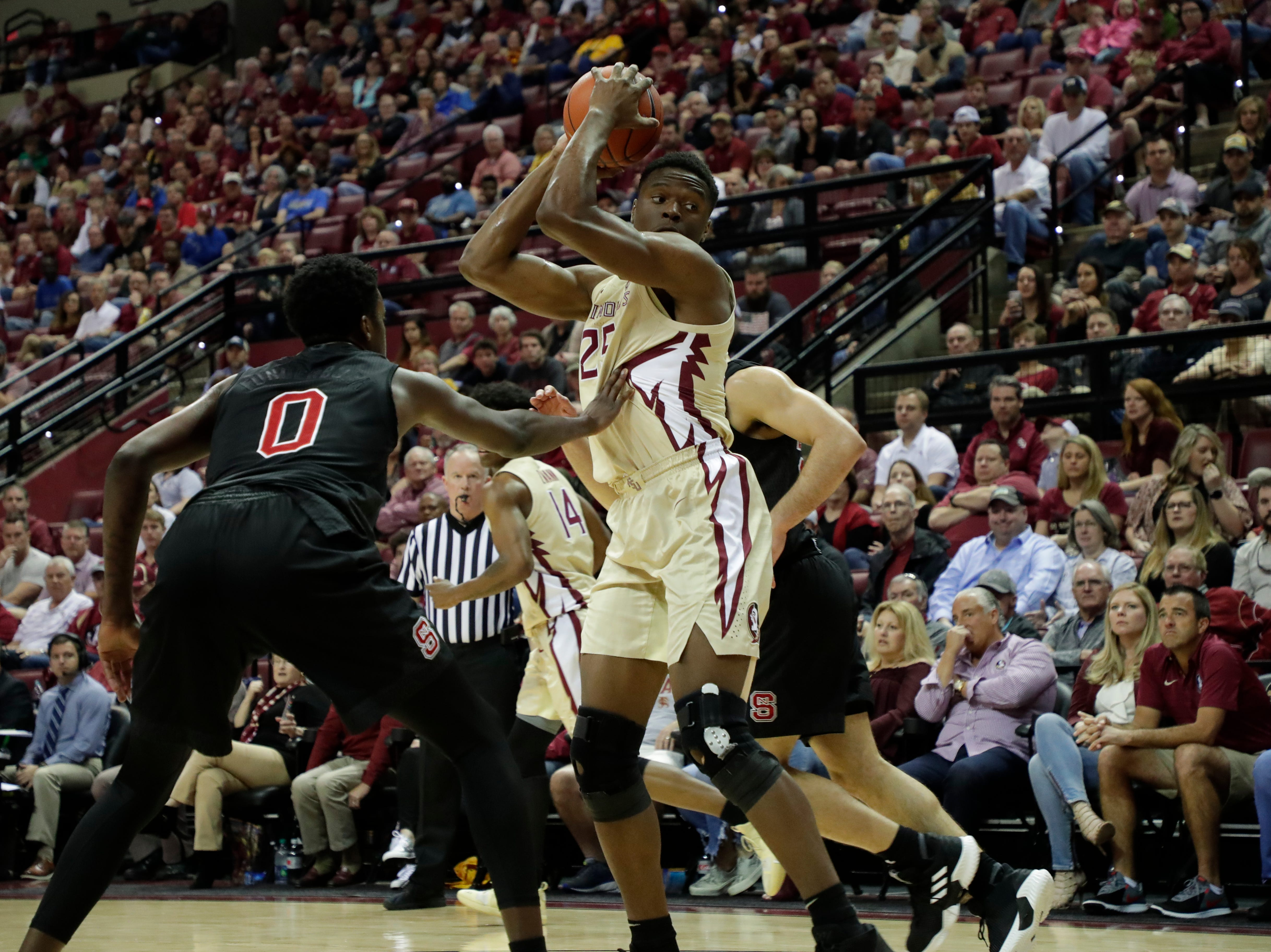 Florida State Seminoles forward Mfiondu Kabengele (25) looks to pass. The Florida State Seminoles host the NC State Wolfpack at the Tucker Civic Center Saturday, March 2, 2019.