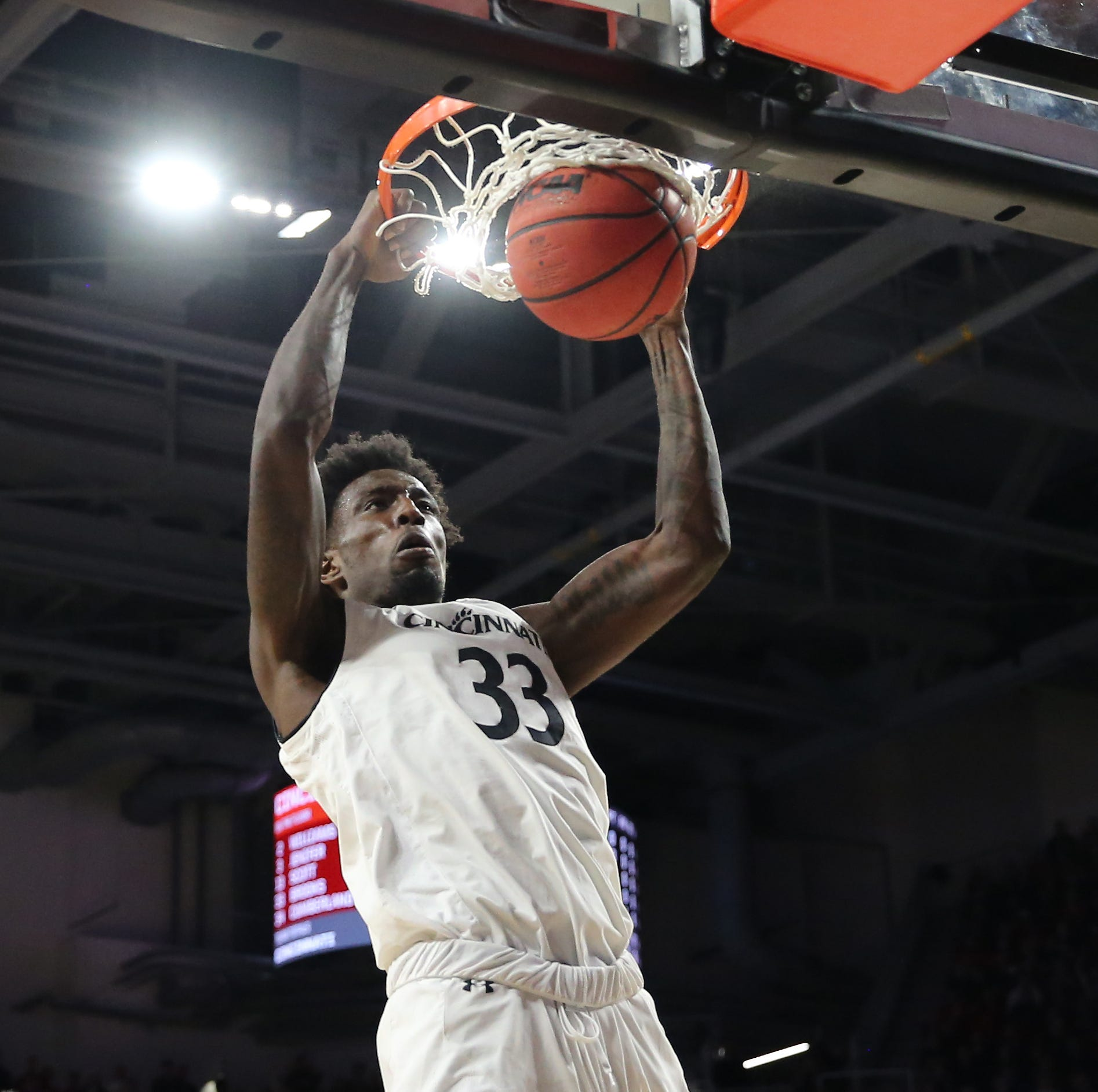 Nysier Brooks: Cincinnati Bearcats big man enters transfer portal
