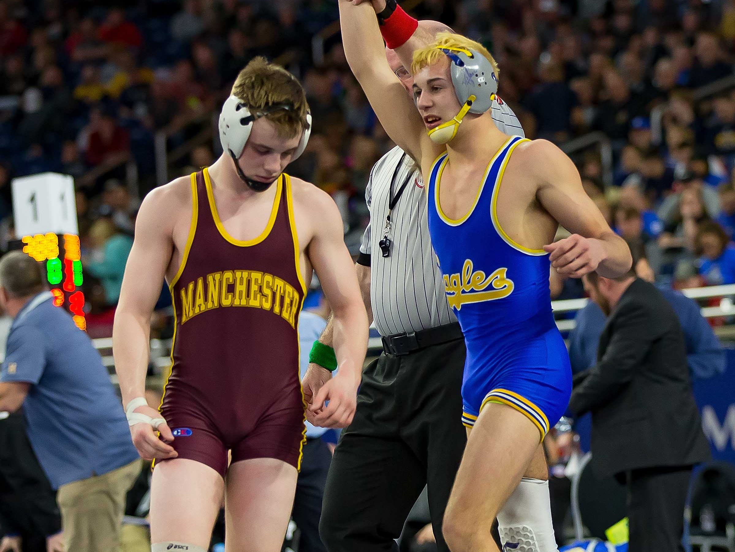 Jamison Ward of Carson City-Crystal defeated Jacob Shelby of Manchester during their 130-pound Division 4 championship match.