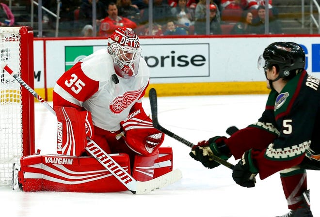 """""""We got to go out there and fight for every inch,"""" goaltender Jimmy Howard says about the Red Wings' remaining 17 games."""