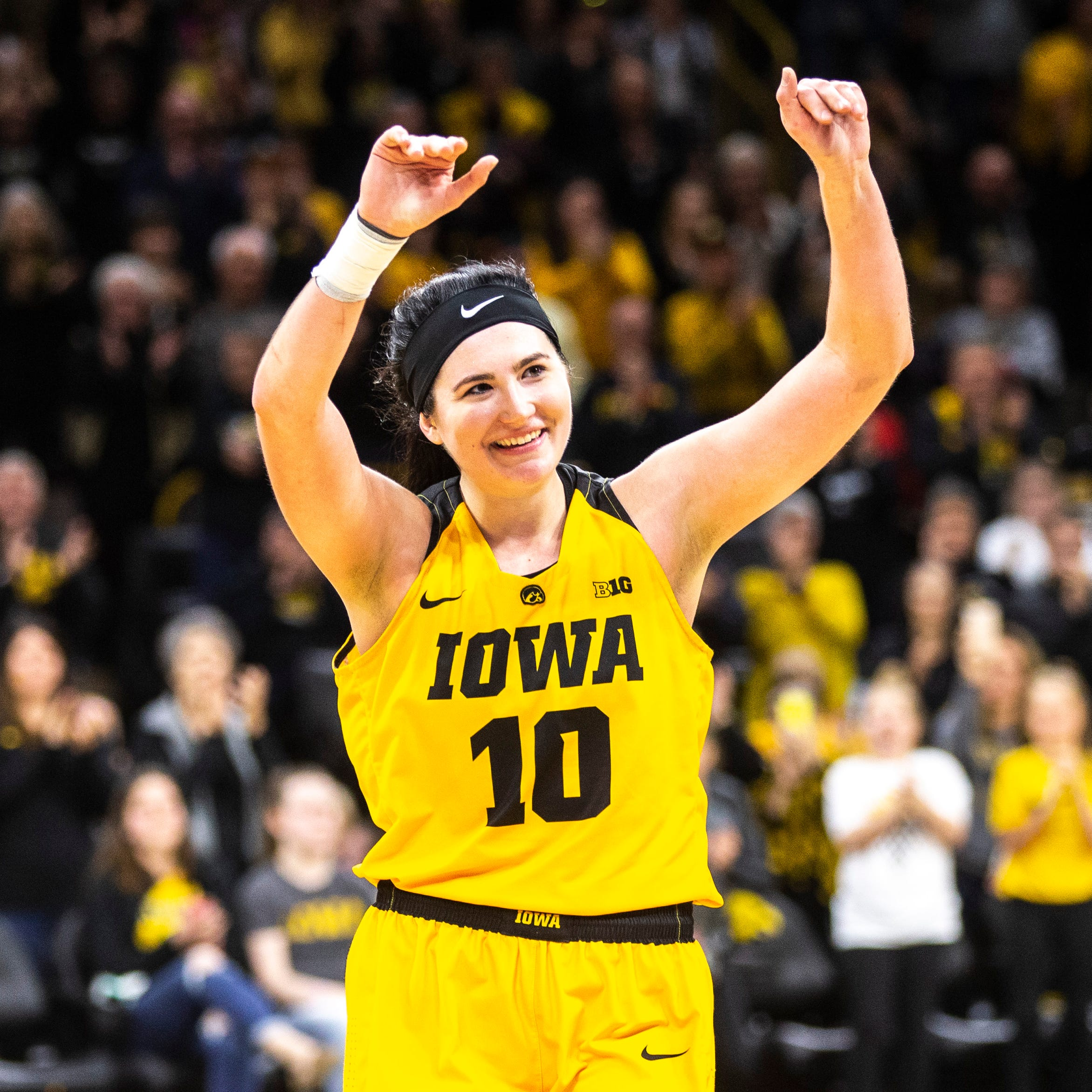 Leistikow: Examining Megan Gustafson's chances of being named national player of the year