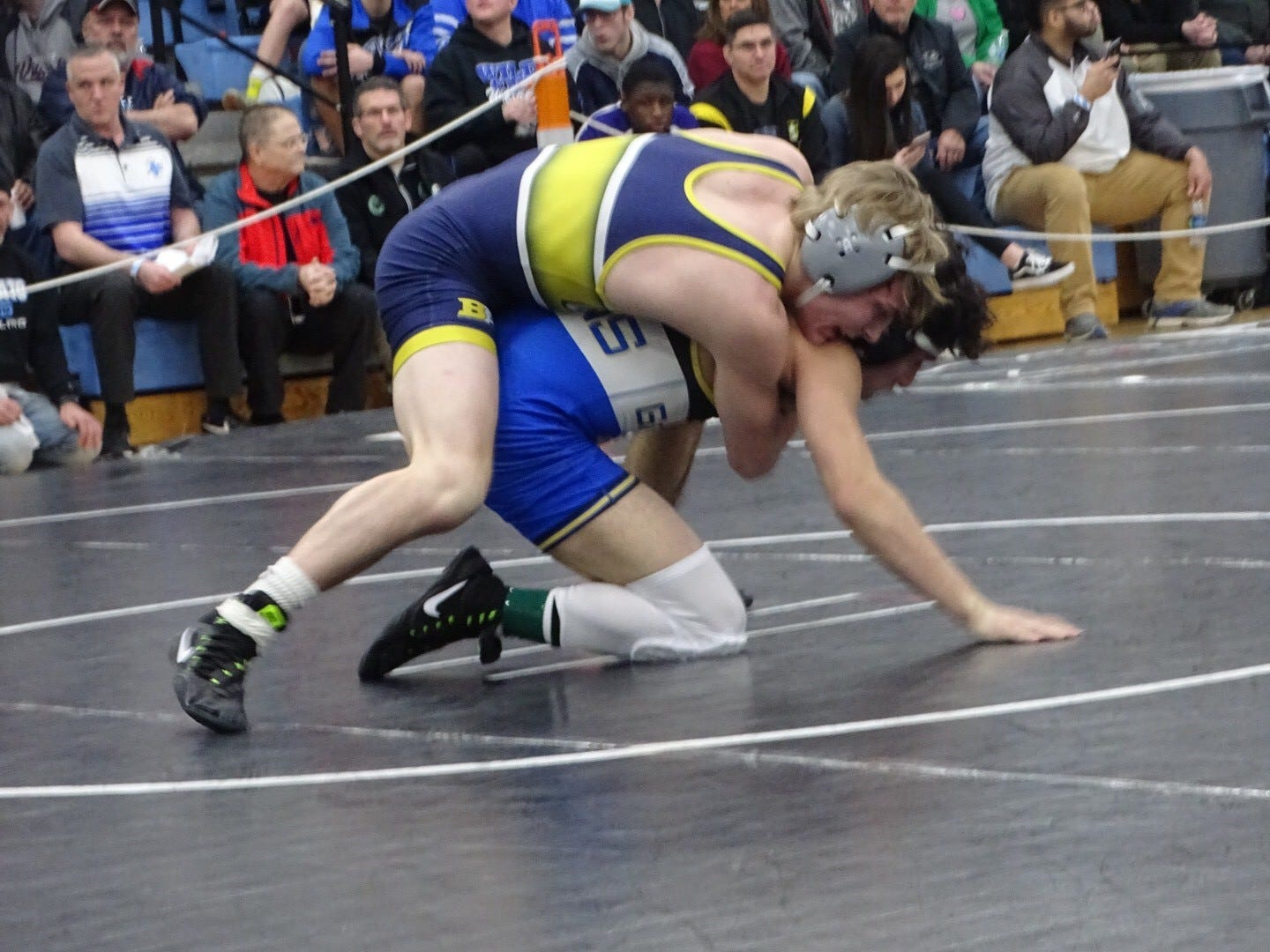 Lancaster junior Logan Agin won a Division I district title Saturday at Hilliard Darby and qualified for the state tournament for the third straight year.